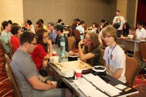 Beim Paar-Go kann man auch Profis begegnen (hier: Hajin Lee, zweite von links)