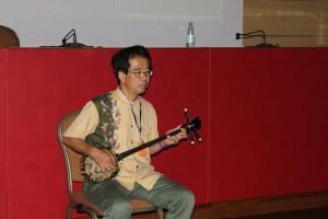 Japanische Musik ist immer Teil von Kozo Hayashis Vorlesung
